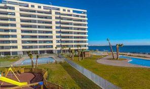 Новая квартира на первой линии пляжа от застройщика в Пунта Прима