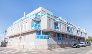 Новая квартира рядом с пляжем от застройщика в Торревьехе