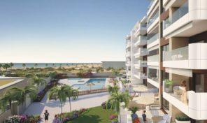 Новая квартира на первой линии пляжа от застройщика в Миль Пальмерас